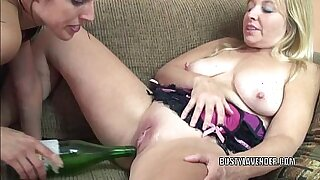 Busty chick fucks first sex with her bottle