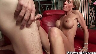 Makudo Karabotas the Mother of Creampie in the Trample Room!
