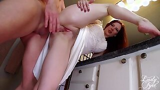 Hot Fem cuckold gives it to his client